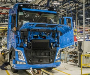 Volvo contrata e reabre 2º turno em fábrica de caminhões em Curitiba!