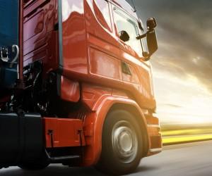 (Português do Brasil) Caminhões anotam alta de quase 50% na produção